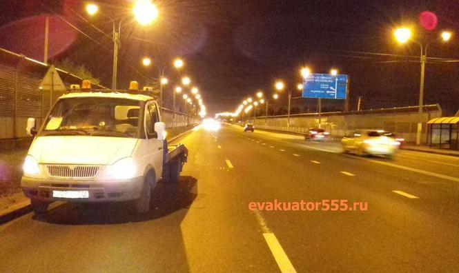 Цена за Эвакуатор 555, который  дешево перевезет машину по маршруту Питер Москва.